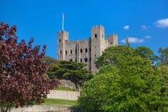 Руины двенадцатого века замка Rochester Замок и руины городищ Кент, юговосточная Англия Стоковое Изображение