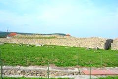 Руины в Ulpia Traiana Augusta Dacica Sarmizegetusa Стоковая Фотография
