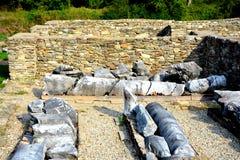 Руины в Ulpia Traiana Augusta Dacica Sarmizegetusa Стоковое Изображение RF