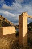 руины гор озера стоковые фото