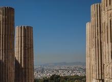 Руины грека обозревая Афины в Греции Стоковая Фотография RF