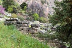 Руины древнего храма Аполлона на Дэлфи, Греции, Европе стоковая фотография rf