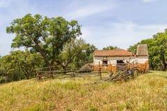 Руины дерева дома и пробочки фермы в Сантьяго делают Cacem Стоковые Фотографии RF