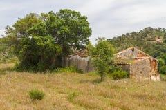 Руины дерева дома и пробочки фермы в Сантьяго делают Cacem Стоковое Изображение RF