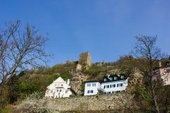 Руины замка в средневековой деревне Durnstein внутри Стоковые Изображения RF
