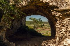 Руины замка на холме в Chornokozinsky Зона Podilia, Ukra стоковая фотография