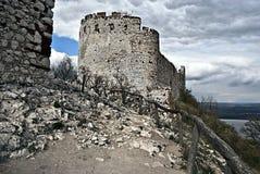 Руины замка Devicky в горах Palava Стоковые Изображения