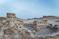 Руины замка Herods в крепости Masada, Израиле Старые руины городища построенные на плато на обозревать горы стоковые изображения