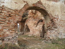 Руины замка Krevsky белизна изолированная кирпичом красная Беларусь Стоковое Изображение RF