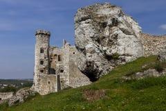 Руины замка Ogrodzieniec - Польши стоковое изображение rf