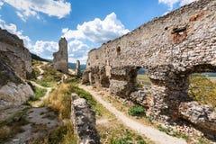 руины замока средневековые стоковые изображения rf