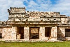 Руины здания на археологических раскопках Uxmal, Юкатане, m Стоковые Изображения RF
