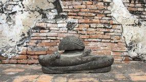 руины Исторический парк со старой статуей Будды камня стоковое фото rf