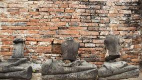 руины Исторический парк со старой статуей Buddhas камня стоковая фотография