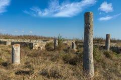 Руины каменных стен и столбцов старого замка Histria, Roma Стоковые Изображения
