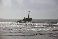 Руины корабля в океане Стоковое Фото