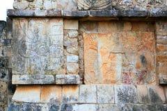 Руины Мексика hieroglyphics Chichen Itza майяские Стоковое Фото