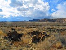 Руины на парке каньона Chaco национальном историческом стоковые фотографии rf
