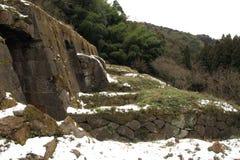 Руины рафинадного завода Shimizudani в серебряном руднике Iwami ginzan (всемирное наследие) стоковые фотографии rf