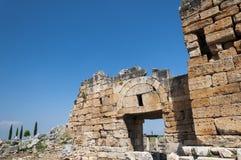 Руины древнего города Hierapolis, Турции Стоковая Фотография