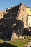 Руины рынков Trajan, построенные в ОБЪЯВЛЕНИИ второго века Apollodorus Дамаска в старом Риме Италия Стоковая Фотография