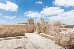 Руины северной церков в городе Nabataean Avdat, расположенном на дороге ладана в пустыне Judean в Израиле Inc стоковое фото rf