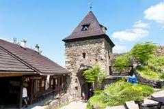 Руины средневекового готического замка Potstejn от 1259, восточная Богемия, чехия стоковые изображения