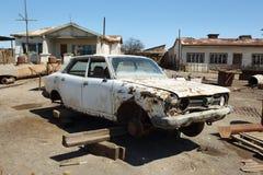 Руины старого автомобиля в Humberstone, Чили Стоковая Фотография