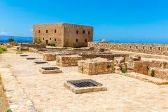 Руины старого городка в Rethymno, Крите, Греции. Стоковые Фото