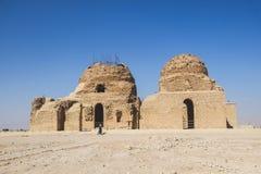 Руины старого дворца Sarvestan сделали испеченных кирпича, камня и миномета стоковая фотография