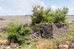 Руины старого Еврейского урегулирования Umm el Kanatir - будьте матерью сводов на Голанских высотах Стоковые Фотографии RF
