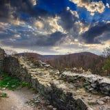 Руины старого замка в горах Стоковое Фото