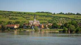 Руины старого замка на реке подпирают, Les Andeles, Fran Стоковые Изображения