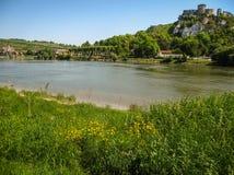 Руины старого замка на реке подпирают, Les Andeles, Fran Стоковые Изображения RF