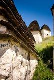 Руины старого поселения в горах Кавказа стоковое фото rf