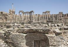 Руины старого римского театра в Dougga стоковое фото rf