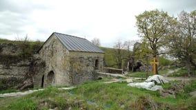 Руины старой крепости на горах Georgia сток-видео
