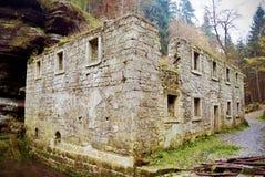 Руины старой мельницы Стоковые Изображения RF