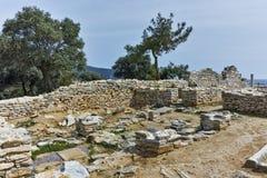 Руины старой церков в археологических раскопках Aliki, острове Thassos, Греции Стоковые Фото