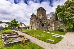 Руины старой церков Sigtuna, Швеции стоковая фотография