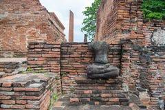 Руины статуй Будды в виске Wat Mahathat, Ayutthaya Histori Стоковые Фотографии RF