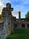 Руины стены захода солнца Стоковые Изображения