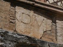 Руины строба Spello - Augustus стоковые изображения