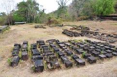 Руины строя в археологических раскопках на Vat Phou или Wat Phu Стоковое Фото