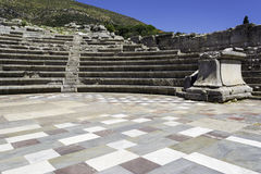 Руины театра в древнем городе Messinia, Пелопоннеса, Греции Стоковое Изображение RF