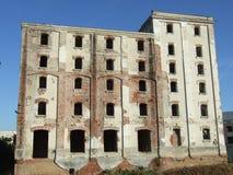 Руины фабрики пива Bragadiru стоковое изображение rf