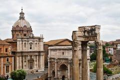 Руины форума в Риме, Италии Стоковое фото RF