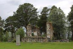 Руины церков в Sunne в графстве Jamtland, Швеции стоковые изображения rf