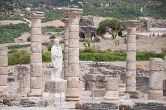 руины claudia bolonia пляжа baelo римские стоковая фотография