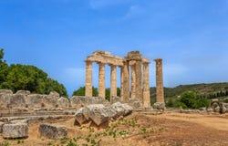 Руины doric виска в старом Nemea, Corinthia стоковые фотографии rf